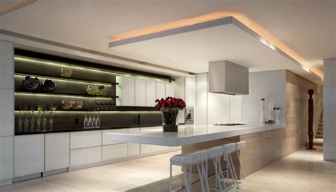 plafond suspendue cuisine suspendue amazing hotte cuisine suspendue plafond