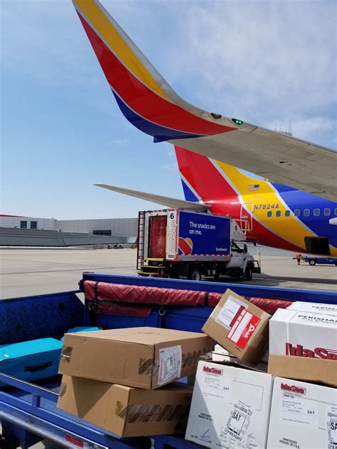 southwest 737 cargo trolley cargo facts