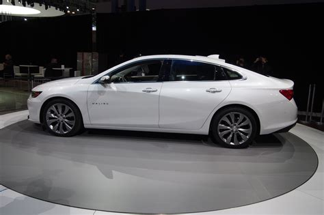 2016 chevrolet malibu 20t first test review motor trend 2016 chevrolet malibu first look tinadh com