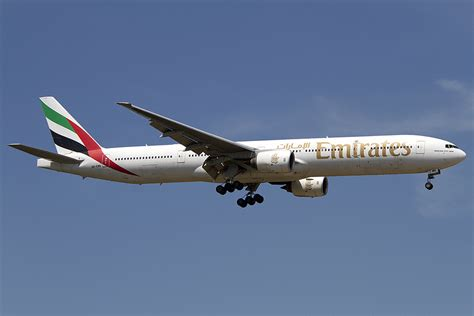 emirates germany emirates airlines a6 emr boeing b777 31h 26 05 2012