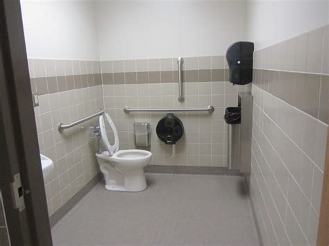 Handicap Bathroom Stall by 6 Places To Live On Cus To Avoid The Rapid