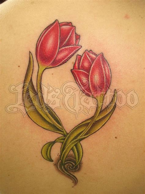 tulip flower tattoo designs tulip search l de corps