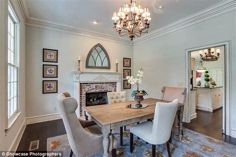 Pine Cabinets Kitchen by Inside Supermodel Niki Taylor S Glamorous Million Dollar