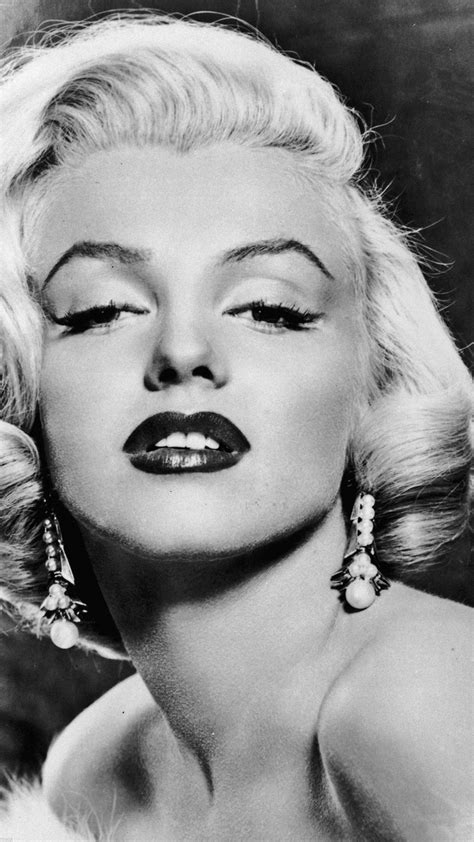 marilyn monroe sexy classic face portrait iphone