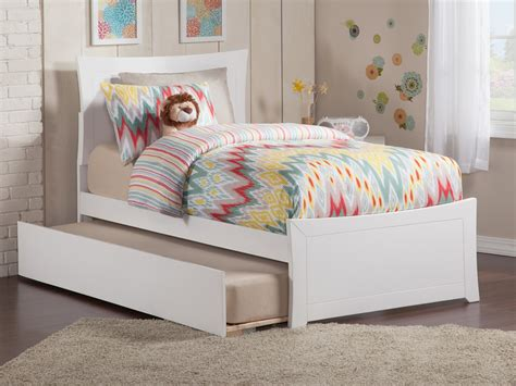 Matching Beds by Metro Platform Bed With Matching Footboard White