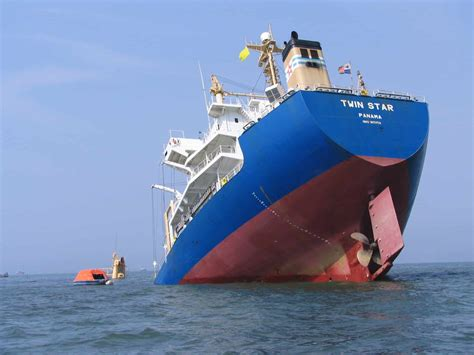 How Does A Boat Sink ship sinking the tech journal
