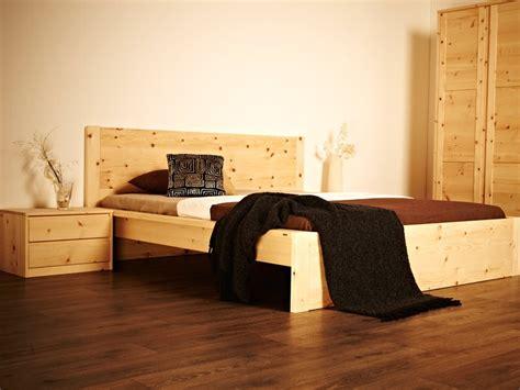 zirbenholz schlafzimmer schlafzimmer aus zirbenholz herzerw 228 rmend 4betterdays