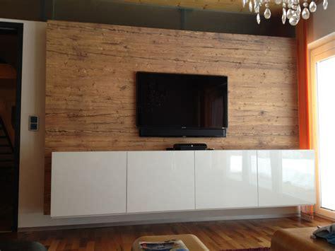 bs renovierung holz wandverkleidug mit tv und sideboard in altholz