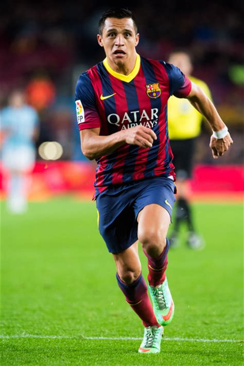 alexis sanchez on barcelona alexis sanchez pictures fc barcelona v rc celta de vigo