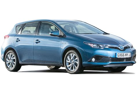 toyota auris toyota auris hybrid review carbuyer