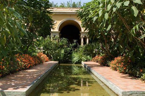 beautiful backyard spanish gardens gardensonline villa ephrussi gardens of the world