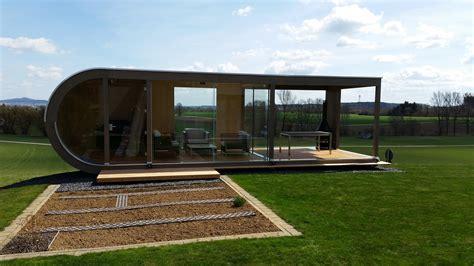 design gartenhaus design gartenhaus mit integriertem ger 228 teschuppen werner