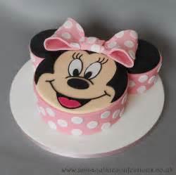 minnie maus kuchen minnie mouse birthday cake cakes by natalie porter
