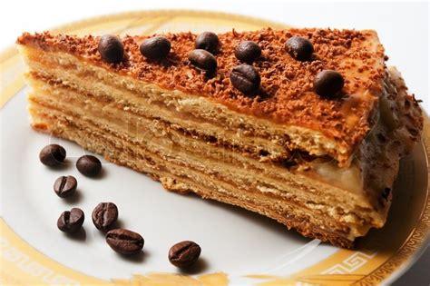 gänseblümchen kuchen l 230 kker kage med kaffeb 248 nner stock foto colourbox