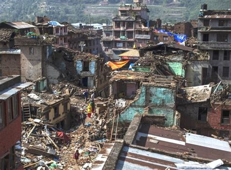 earthquake effects at least four dead as earthquake hits nepal again the