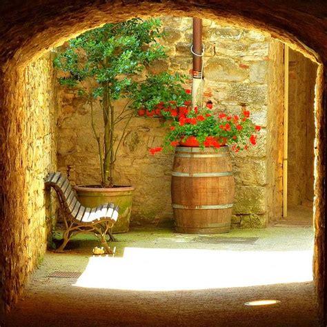 17 best ideas about italian courtyard on