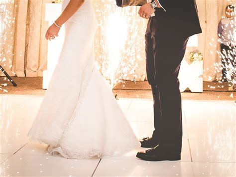 Top 40 classic first dance love songs   Wedding Ideas magazine