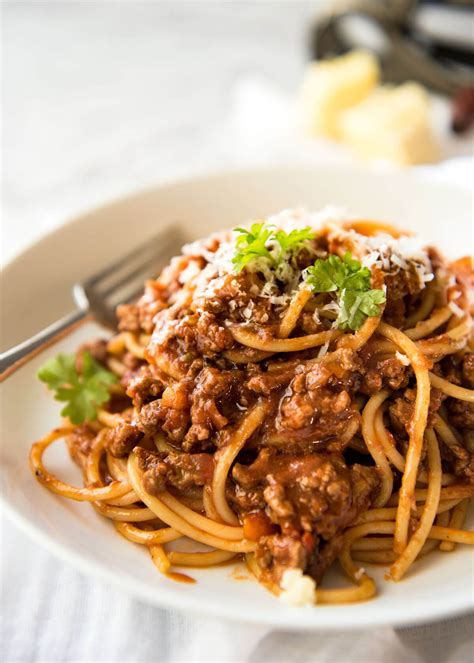 best pasta for bolognese sauce spaghetti bolognese recipetin eats
