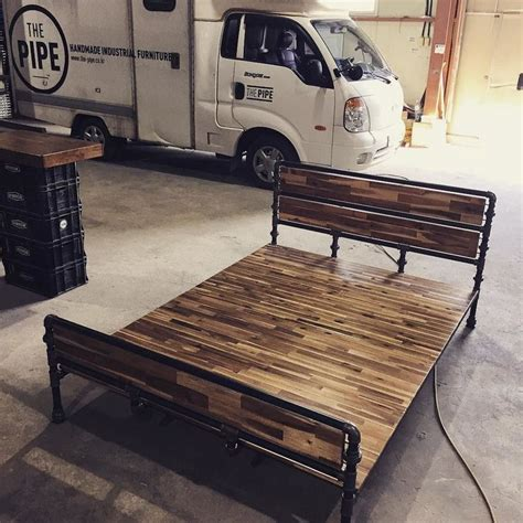 Pipe Bed Frame Best 25 Pipe Bed Ideas On Industrial Bed Industrial Bed Frame And Pipe Furniture