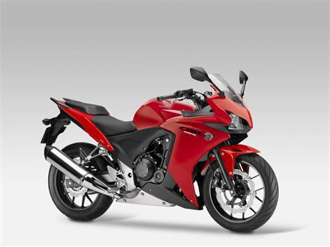 honda cbr500r enter the 2015 honda cbr500r a2 license friendly and