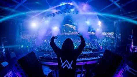 alan walker ultra alan walker plays spotify ad during ultra set and it s