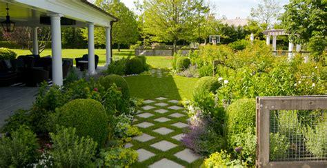 pavimentare il giardino pavimentazione giardino idee e suggerimenti nel