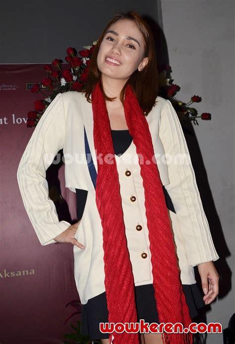 Cintaku Di Lembata Sari Narulita foto feby febiola di peluncuran novel karya sari narulita road to foto 1 dari 40