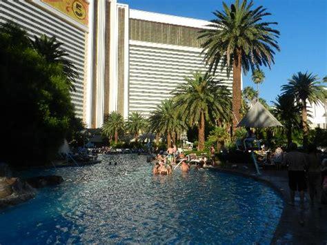 treasure island book report piscina hotel mirage picture of the mirage hotel