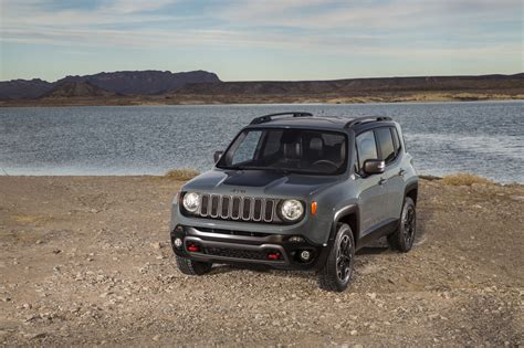 2015 jeep renegade 2015 jeep renegade trailhawk photo gallery autoblog