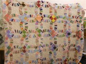 you have to see double wedding ring quilt on craftsy