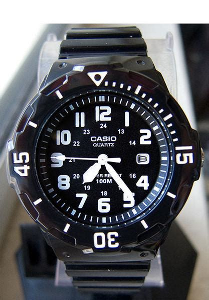 Casio Analog Lrw 200h 7e2vdf casio lrw 200h 1bv analogue shiny black band with date 100m wr great watches