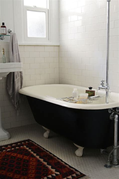 Black Clawfoot Tub Vintage Bathroom Design Sponge Images Of Bathrooms With Clawfoot Tubs
