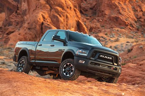 2018 dodge powerwagon 2017 ram 2500 power wagon drive review motor trend