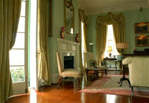 Plantation Homes Interior Design What Is Plantation Style Interior Design Lovetoknow