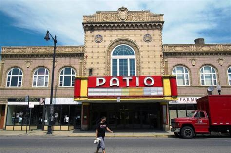 Patio Theatre Chicago by Patio Theater To Reopen Will Be Managed By Portage