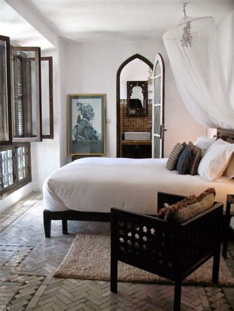 25 best ideas about colonial bedroom on