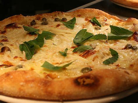 pizza house east pizza east portobello modern pizzeria notting hill london