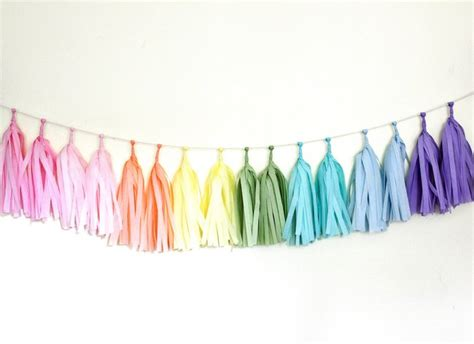 How To Make A Tissue Paper Tassel Garland - tissue paper tassel garland fabulous giveaway the