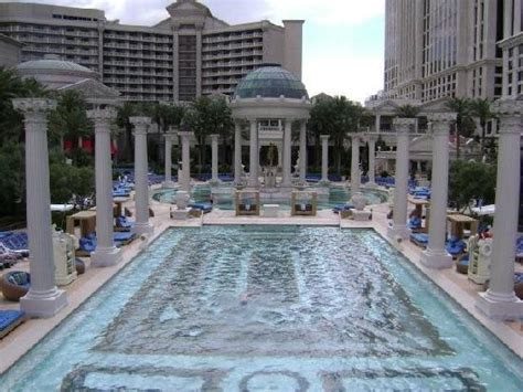 How Many Rooms Does Caesars Palace by Pool Beds Picture Of Caesars Palace Las Vegas Tripadvisor