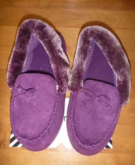 isotoner house slippers womens isotoner moccasin slippers house shoes size m l