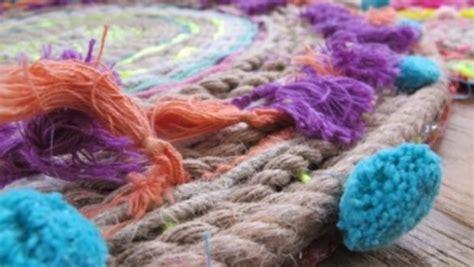 come si fa un tappeto come fare un tappeto con i fili di colorata i ponpon