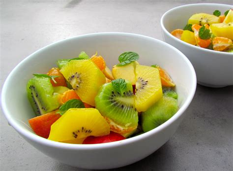 Hexagon Pineaple Apple Kiwi kiwifruit salad