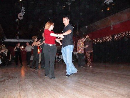 swing dancing chicago the chicago rebels swing dance club at club 6137