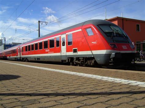 express mã nchen flughafen der m 252 nchen n 252 rnberg express am 04 08 2008 auf gleis 1 in