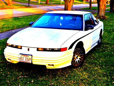 1994 oldsmobile cutlass supreme overview cars com 1994 oldsmobile cutlass supreme overview cargurus