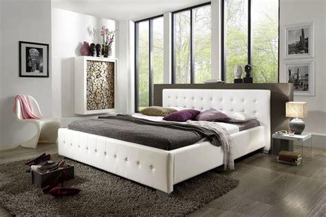 sofa vor heizung sam 174 polsterbett 140 x 200 cm wei 223 bettgestell rimini