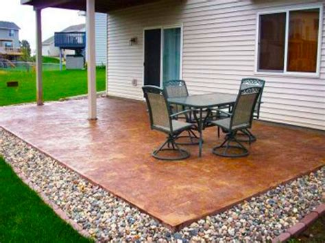 small concrete backyard ideas diy backyard patio ideas cheap makeovers for on a budget
