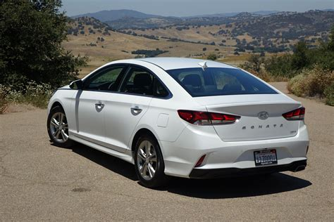 Hyundai Sanata by 2018 Hyundai Sonata Drive Finally Looking The Part