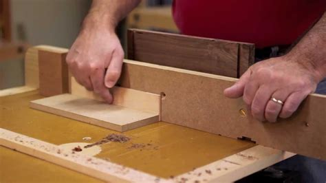 drawer  dovetail joinery cut   router