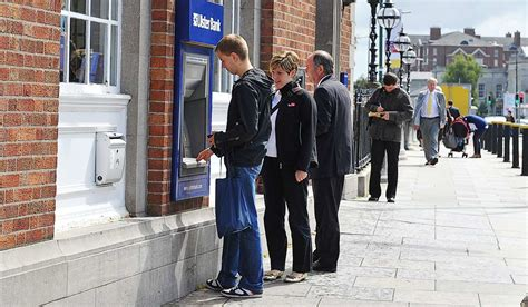ulster bank emergency number ulster bank experiences payment delays but emergency